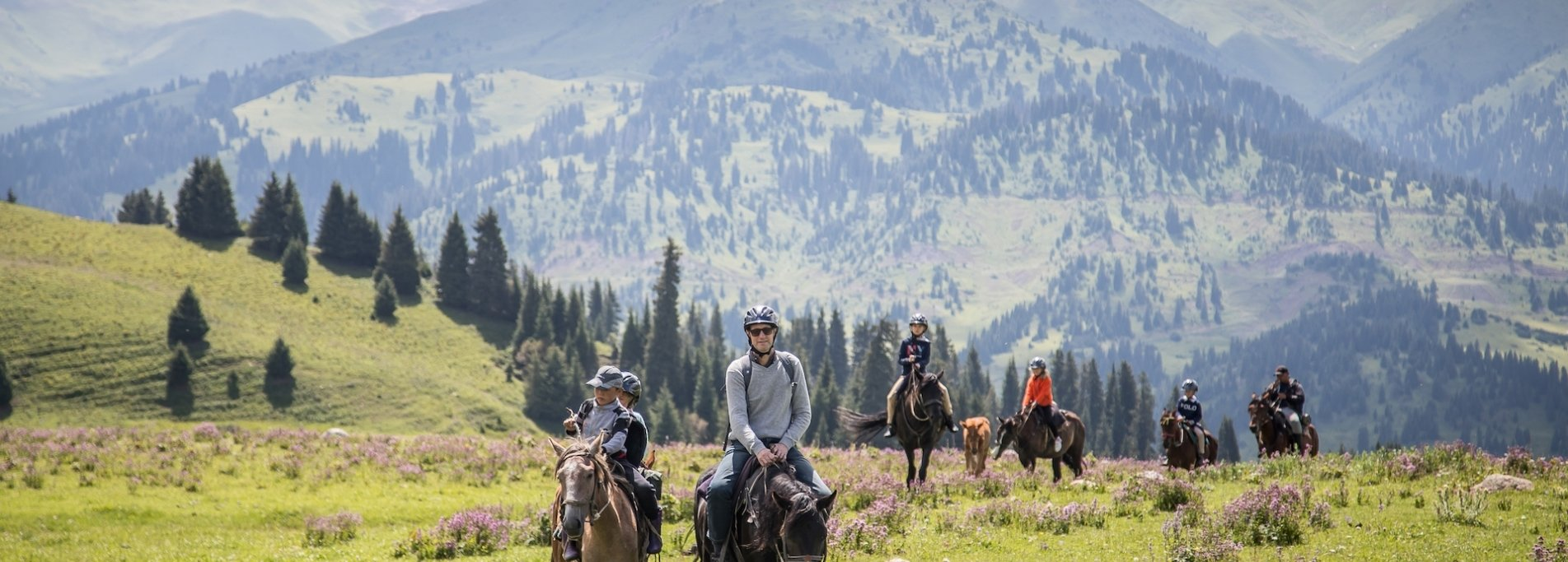 Trip to Tien-Shan mountains - Family tour in Kyrgyzstan