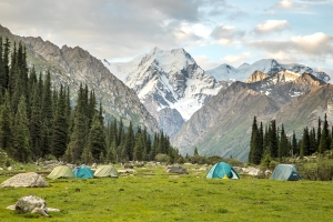 Палаточный лагерь в ущелье Джети-Огуз / Camp in Jeti-Oguz gorge